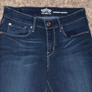 Signature Levi Strauss & Co Jeans!